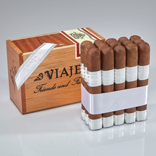 Viaje Friends and Family Cigars