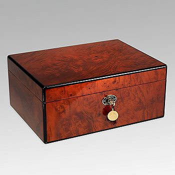 Search Images - Daniel Marshall Signature Burl Humidor