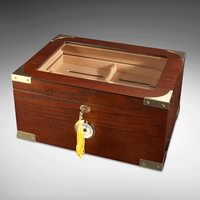 Milano Glass-Top Display Humidor  100-Cigar Capacity