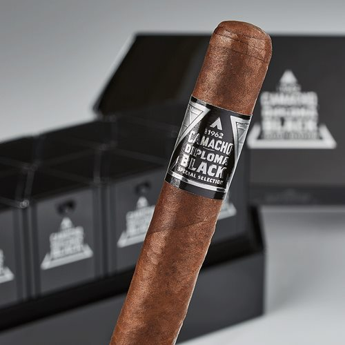 Camacho Diploma Black Special Selection Cigars